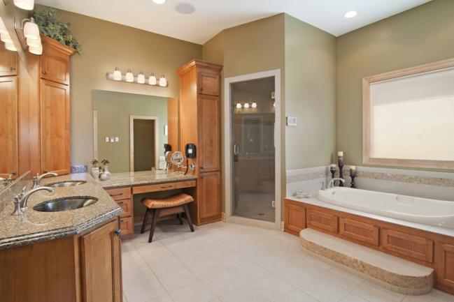 22620 Hayward Ave N, Forest Lake MN | MLS # 4153421 | Master Bath
