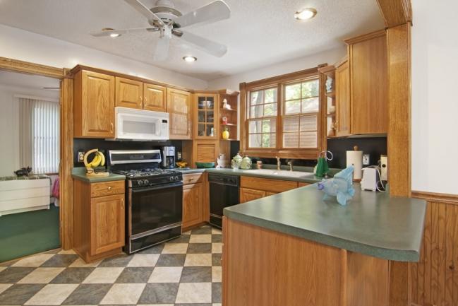 2608 S Shore Blvd, White Bear Lake MN | MLS # 4158856 | Kitchen